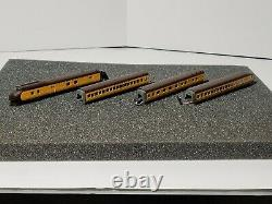 Con-Cor N Scale 001-008791 Locomotive and 3 Car Set Union Pacific 1934 M-10000