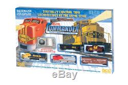 HO Digital Commander Deluxe Model Train Set withDCC, SF Santa Fe 56 x 38 oval