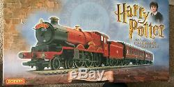 Hornby Harry Potter & The Chamber Of Secrets Hogwarts Express Train Set Bnib