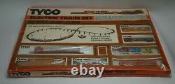 Tyco Electric Train Set HO Scale 7323